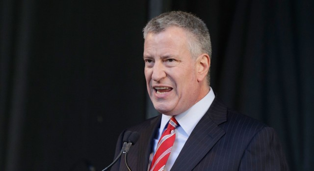 Judge sides with de Blasio, tenants on rent freeze