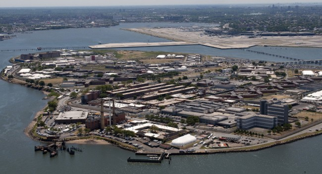 City officials back 10-year plan to shutter Rikers